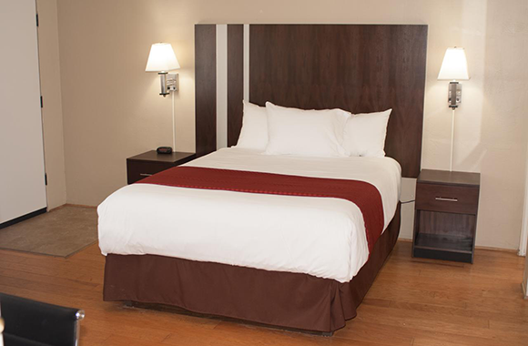 Cambria Palms Motel - Queen Bed